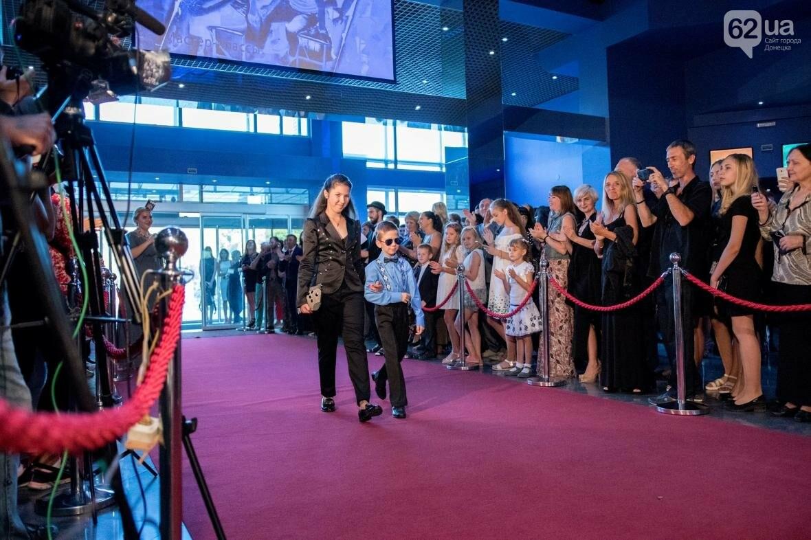 Красная дорожка, лимузин и шампанское: в Мариуполе открылись КиТы (ФОТОРЕПОРТАЖ), фото-14