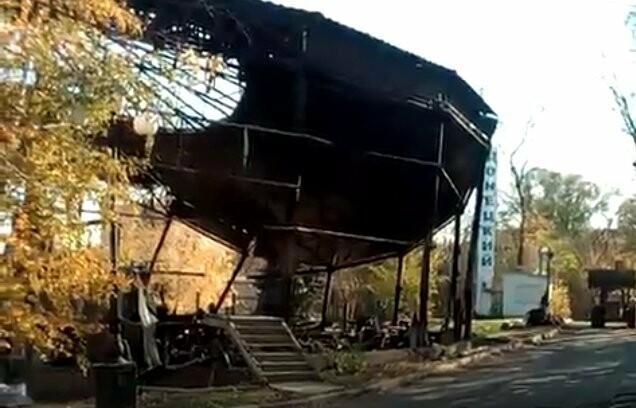 Как выглядит дельфинарий «Немо» в Донецке после второго пожара (ФОТО, ВИДЕО), фото-1