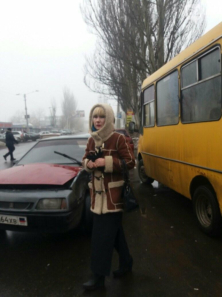 В Донецке маршрутка попала в ДТП, - ФОТО, фото-1