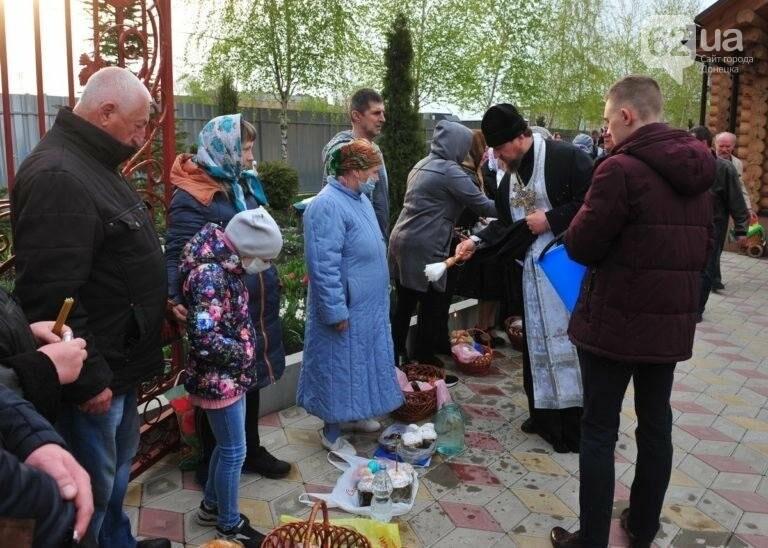 В ОРДО люди приходили в храмы на Пасху, несмотря на комендантский час и карантин (Фото), фото-3