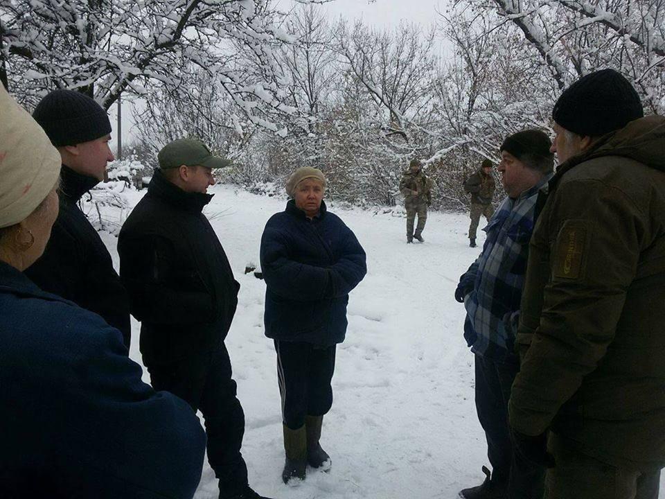 В освобожденном поселке Травневое удалось частично восстановить электроснабжение (ФОТО), фото-3