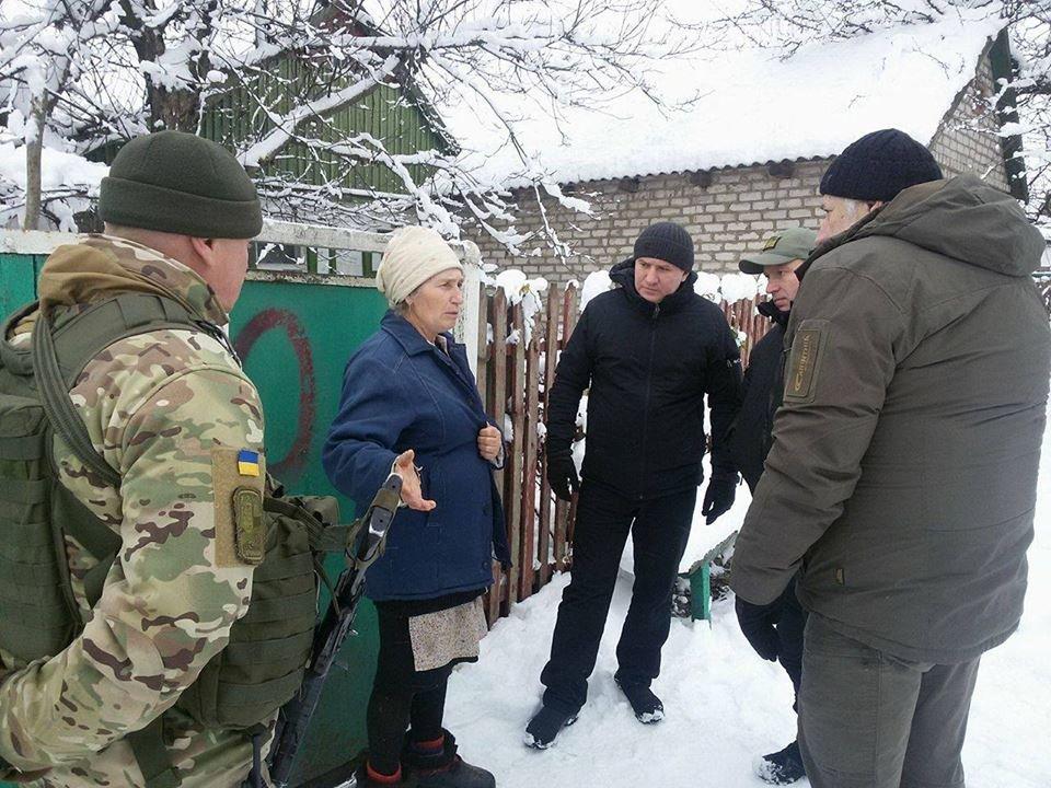 В освобожденном поселке Травневое удалось частично восстановить электроснабжение (ФОТО), фото-1