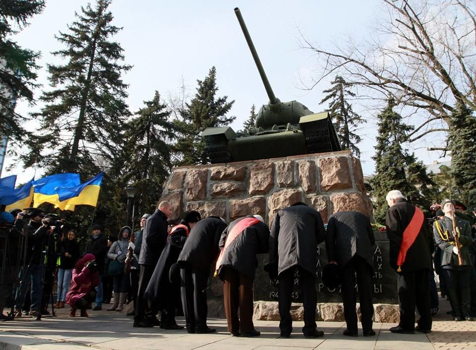 """23 февраля в Донецке 4 года назад: украинцы еще надеялись, но массовка для """"русской весны"""" уже была завезена (Фото), фото-2"""