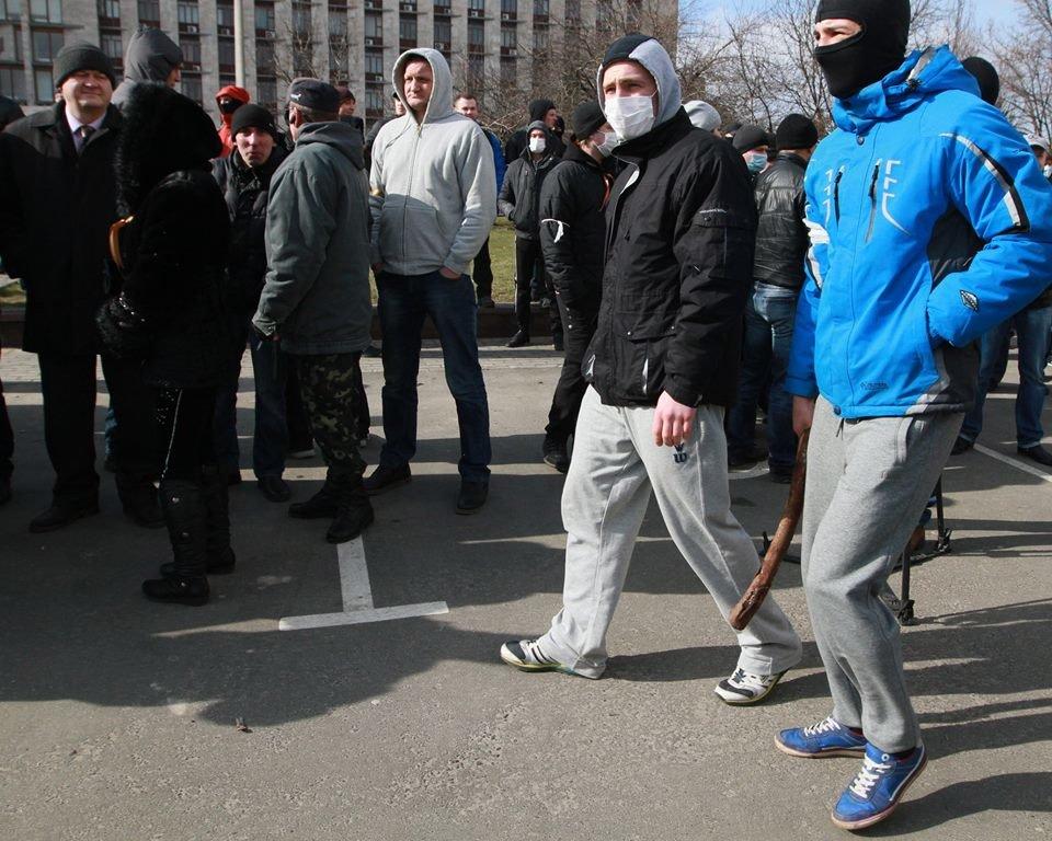 """23 февраля в Донецке 4 года назад: украинцы еще надеялись, но массовка для """"русской весны"""" уже была завезена (Фото), фото-10"""