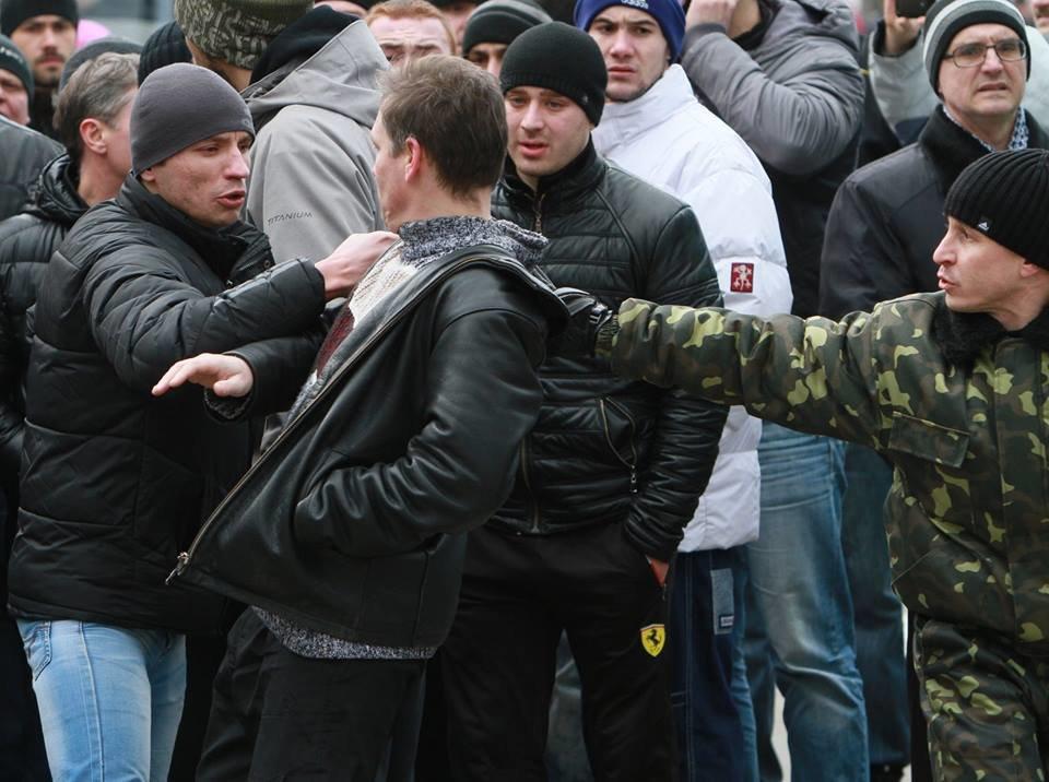 """23 февраля в Донецке 4 года назад: украинцы еще надеялись, но массовка для """"русской весны"""" уже была завезена (Фото), фото-14"""