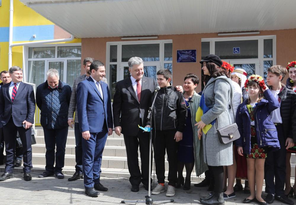 Порошенко: Моим приоритетом был, есть, остается и будет Донбасс, фото-2