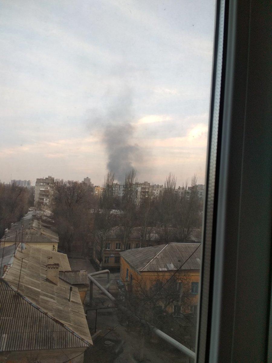 Над Донецком поднялись клубы черного дыма (ФОТО), фото-1