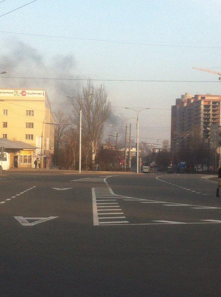 Над Донецком поднялись клубы черного дыма (ФОТО), фото-2