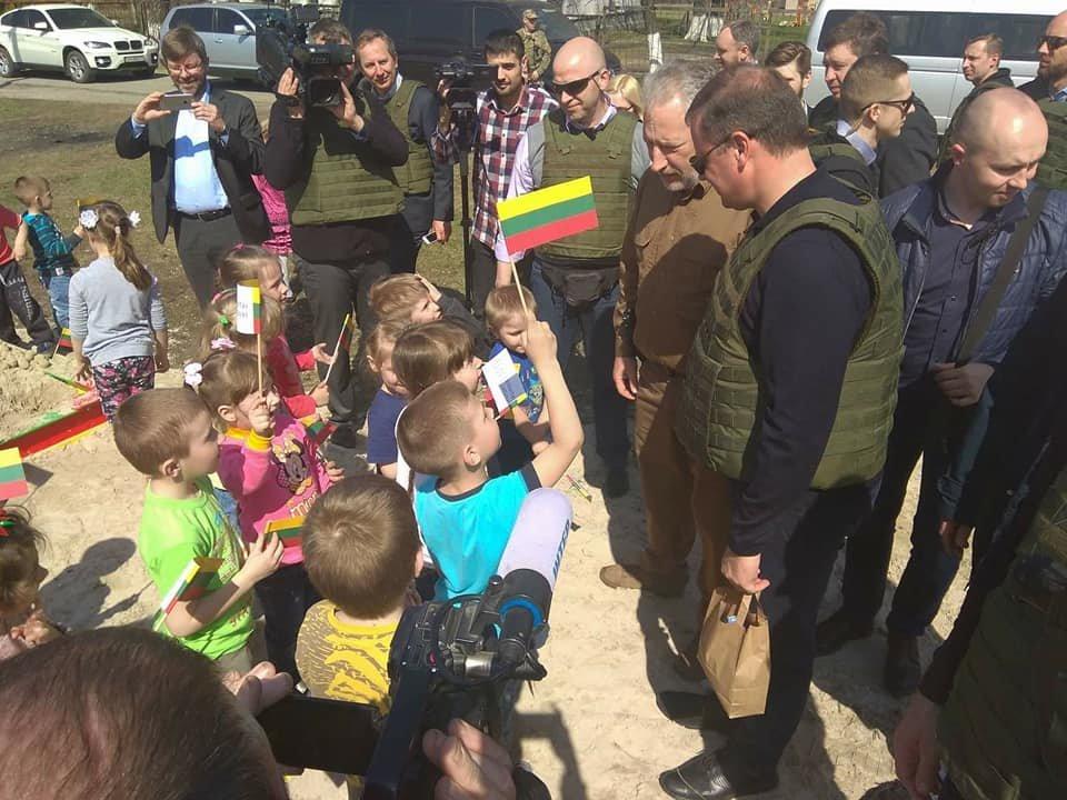Как Литва помогает прифронтовой Авдеевке (ФОТО), фото-5