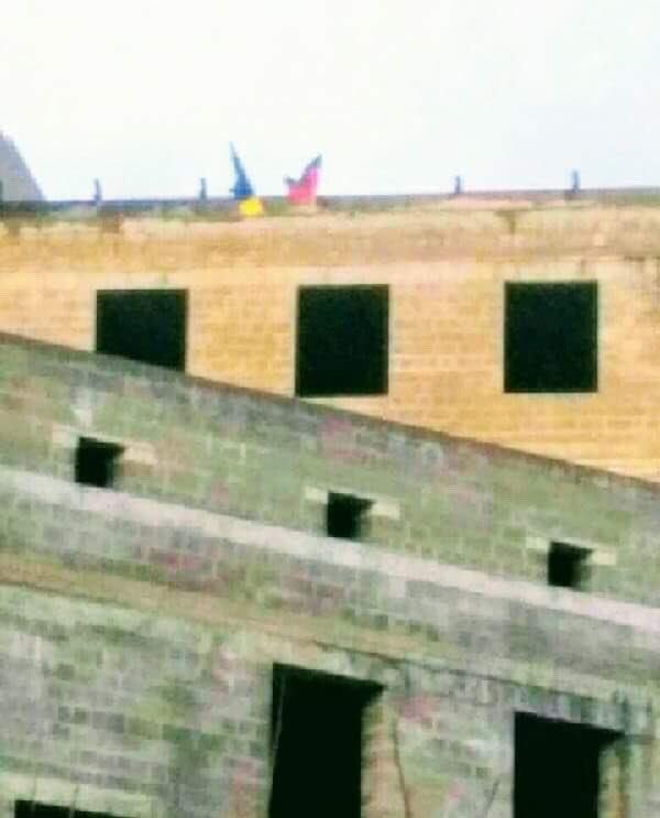 В центре Донецка вывесили флаг Украины (ФОТО), фото-1