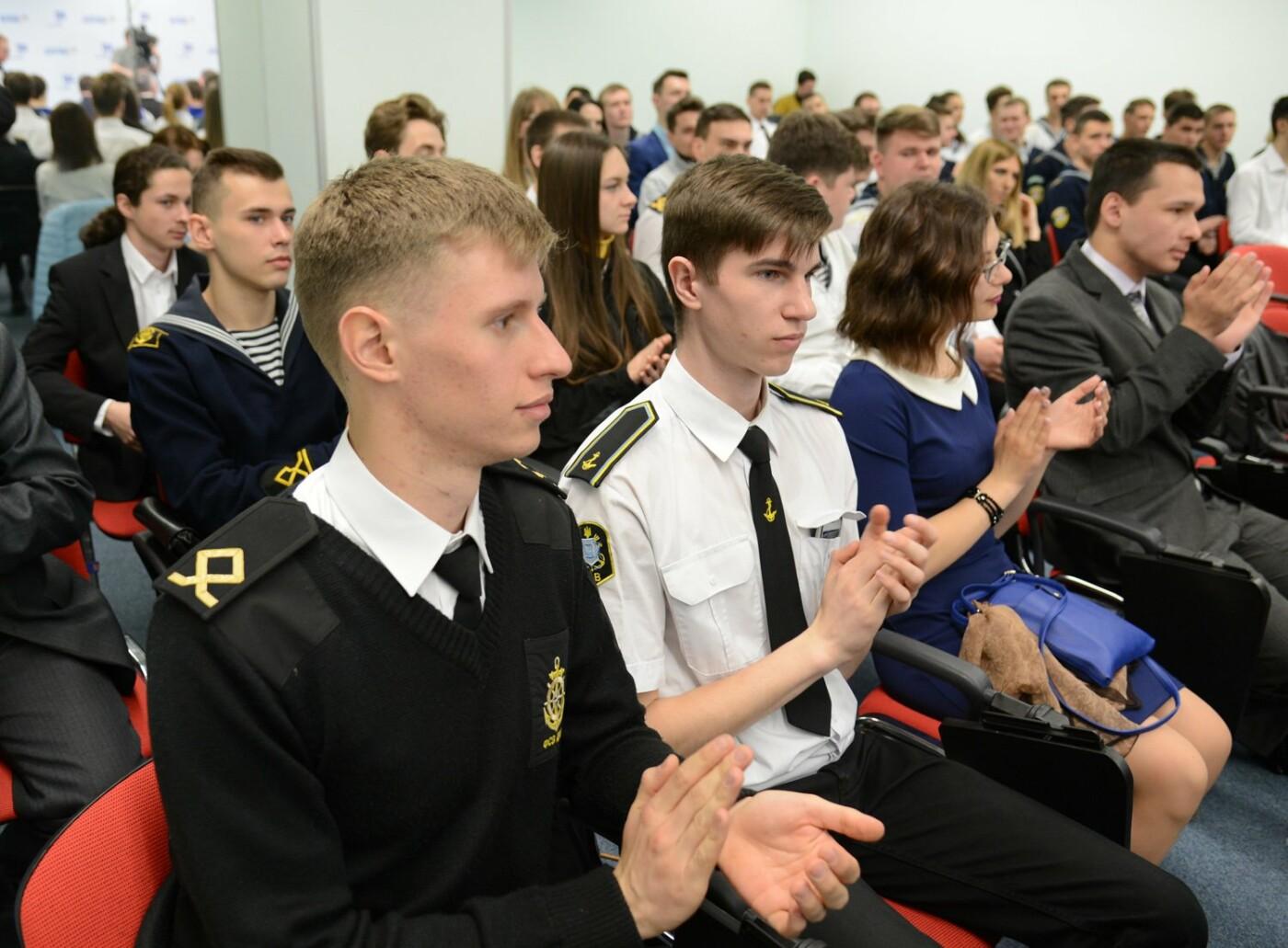 Борис Колесников отправляет лучших студентов Донетчины на выставку в Грецию, фото-1
