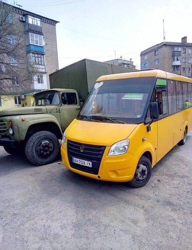 На Донетчине произошло ДТП с участием военного грузовика (ФОТО), фото-1