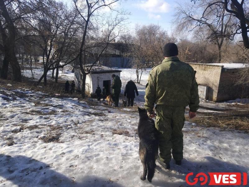Появились фото с места взрыва в центре Донецка , фото-6