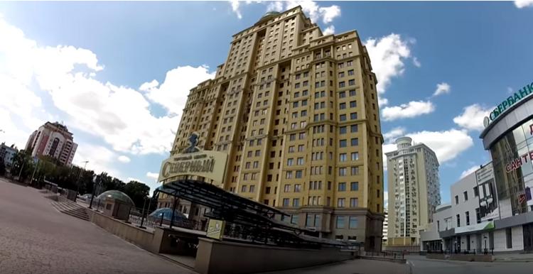 В центре Донецка уходит под воду небоскреб «Северный», построенный Януковичем, - ВИДЕО, фото-1