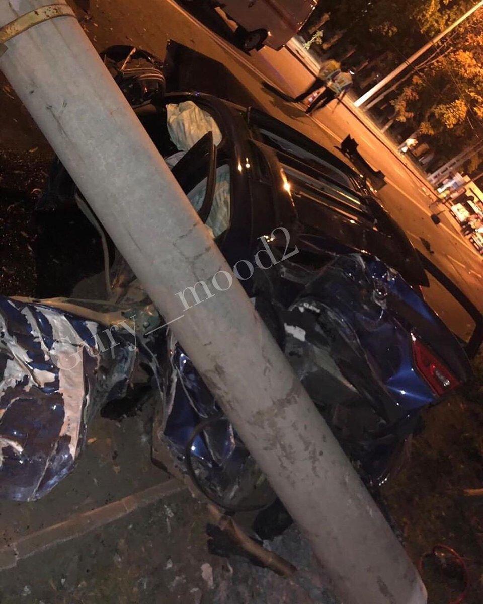 В центре Донецка произошло страшное  ДТП: погиб человек, - ФОТО, фото-3
