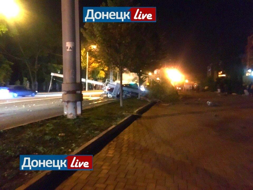 В центре Донецка произошло страшное  ДТП: погиб человек, - ФОТО, фото-1