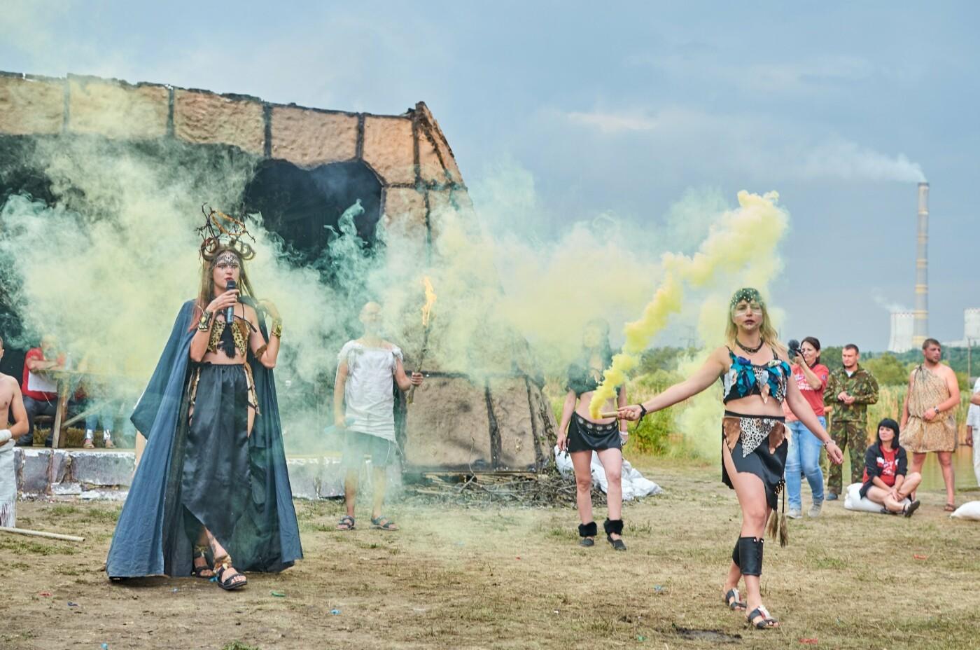 В ОРДЛО устроили молодежный фестиваль с амазонками, рабами, Берией и Сталиным, - ФОТО, фото-6