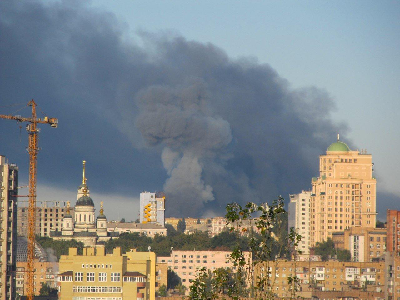 Из-за пожара на складе боеприпасов в Донецке эвакуируют часть Куйбышевского района, фото-1