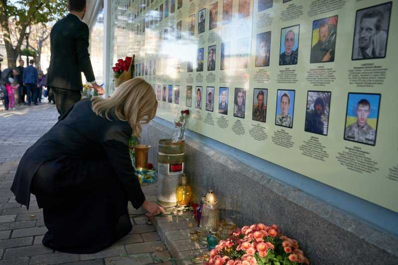 Зеленский сегодня посетит Донецкую область