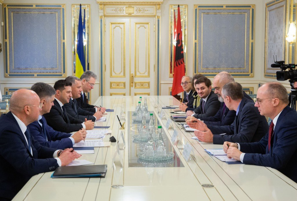 Зеленский обсудил с главой ОБСЕ варианты расширения мандата миссии на Донбассе, фото-1