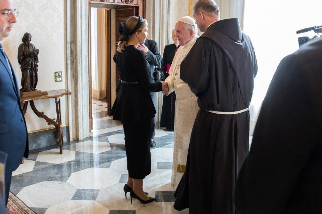 Зеленский попросил Франциска помочь с освобождением украинцев и пригласил Папу посетить Донбасс, - ФОТО, фото-3
