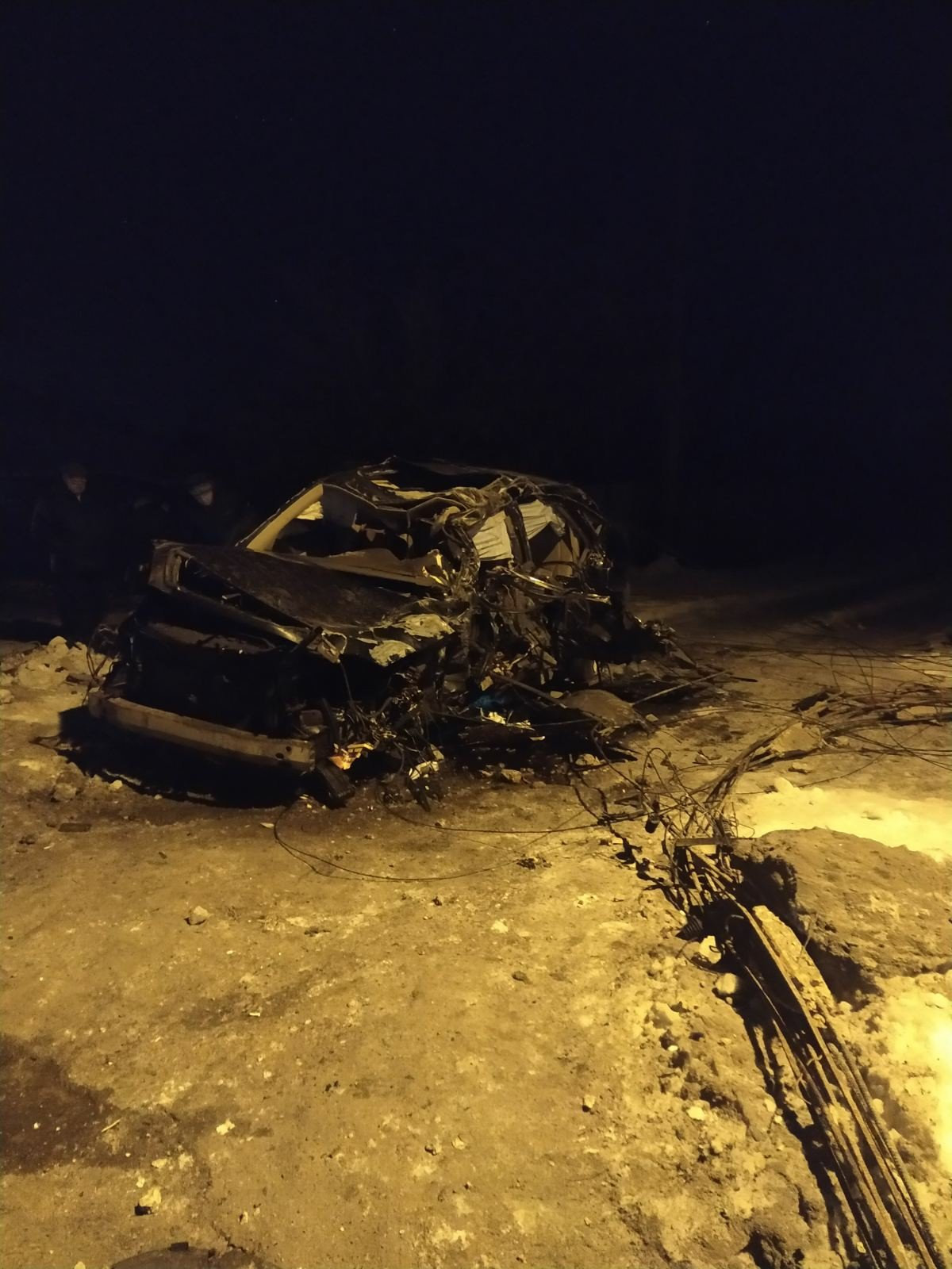 """В ОРДО """"Лексус"""" влетел в опору ЛЭП: погибли два человека, - ФОТО, фото-2"""