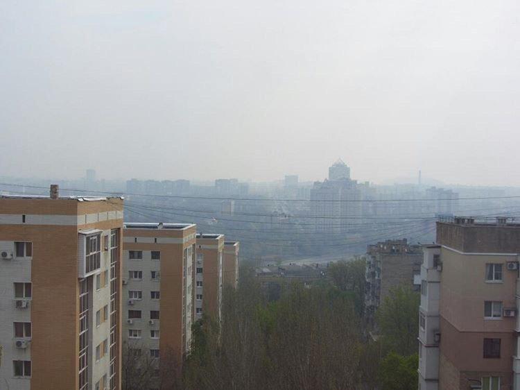 Мгла окутала оккупированный Донецк: люди задыхаются от гари, - (ФОТО), фото-1