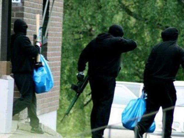 Как боевики «ДНР» грабили банки в Донецке. Часть вторая, фото-1