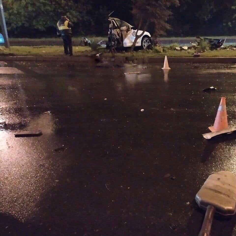 Страшное ДТП Донецке: автомобиль разорвало на части, - ФОТО , фото-2