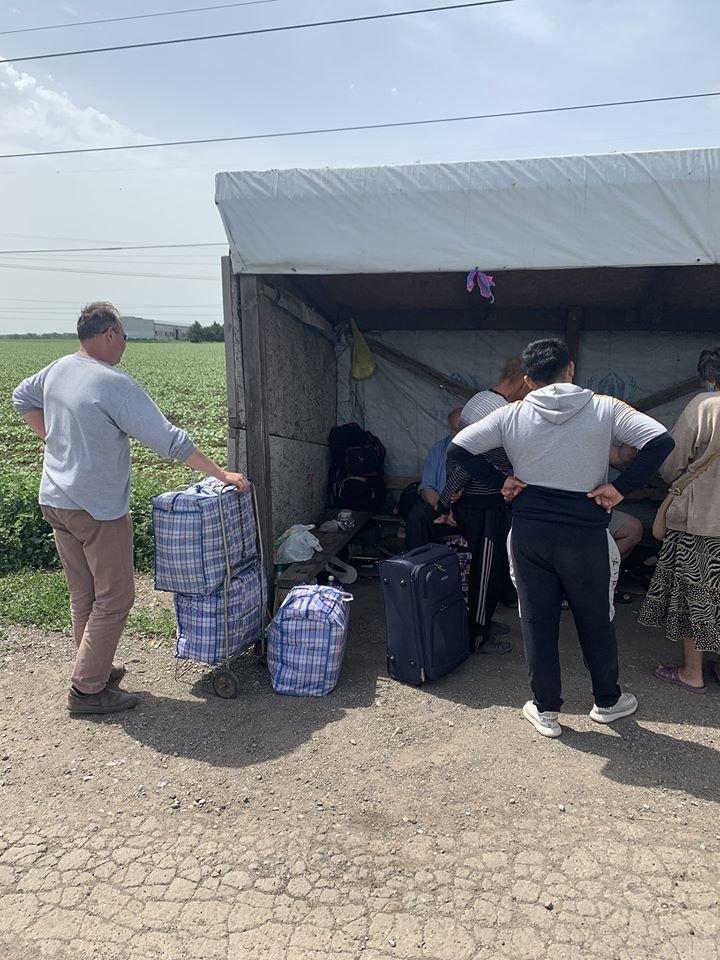 На КПВВ «Марьинка» умер мужчина: российские оккупанты не позолили ему воссоединиться со своей семьей в Донецке, фото-1