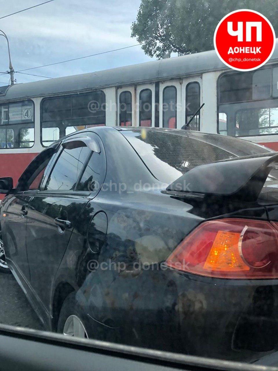 В Донецке «Мицубиси» влетел в трамвай, - ФОТО, фото-1