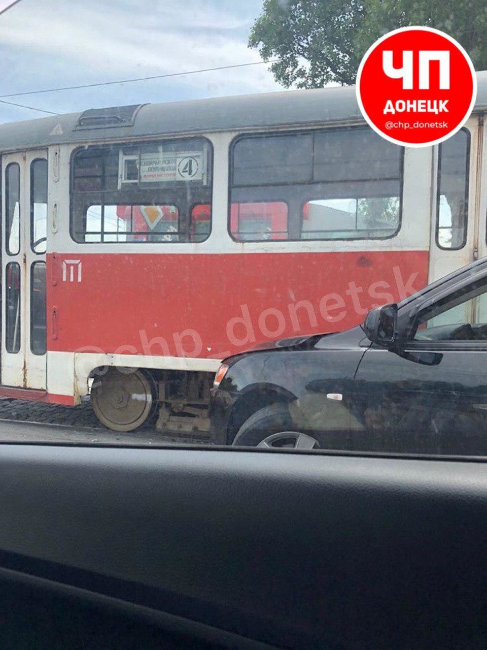 В Донецке «Мицубиси» влетел в трамвай, - ФОТО, фото-3