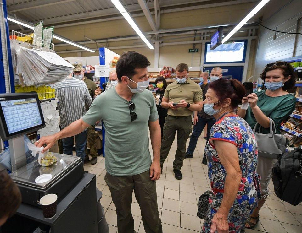 Зеленский в Бахмуте увидел «социальную культуру Донетчины» и посетил супермаркет, - ФОТО, ВИДЕО, фото-1