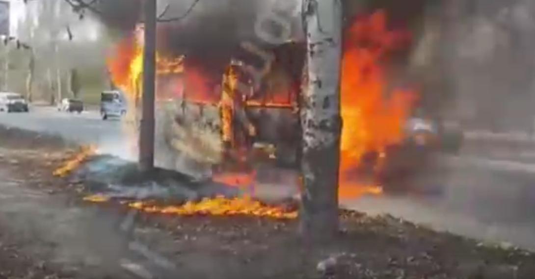 Во время движения загорелась и сгорела дотла маршрутка «Донецк-Макеевка», - ФОТО  , фото-2