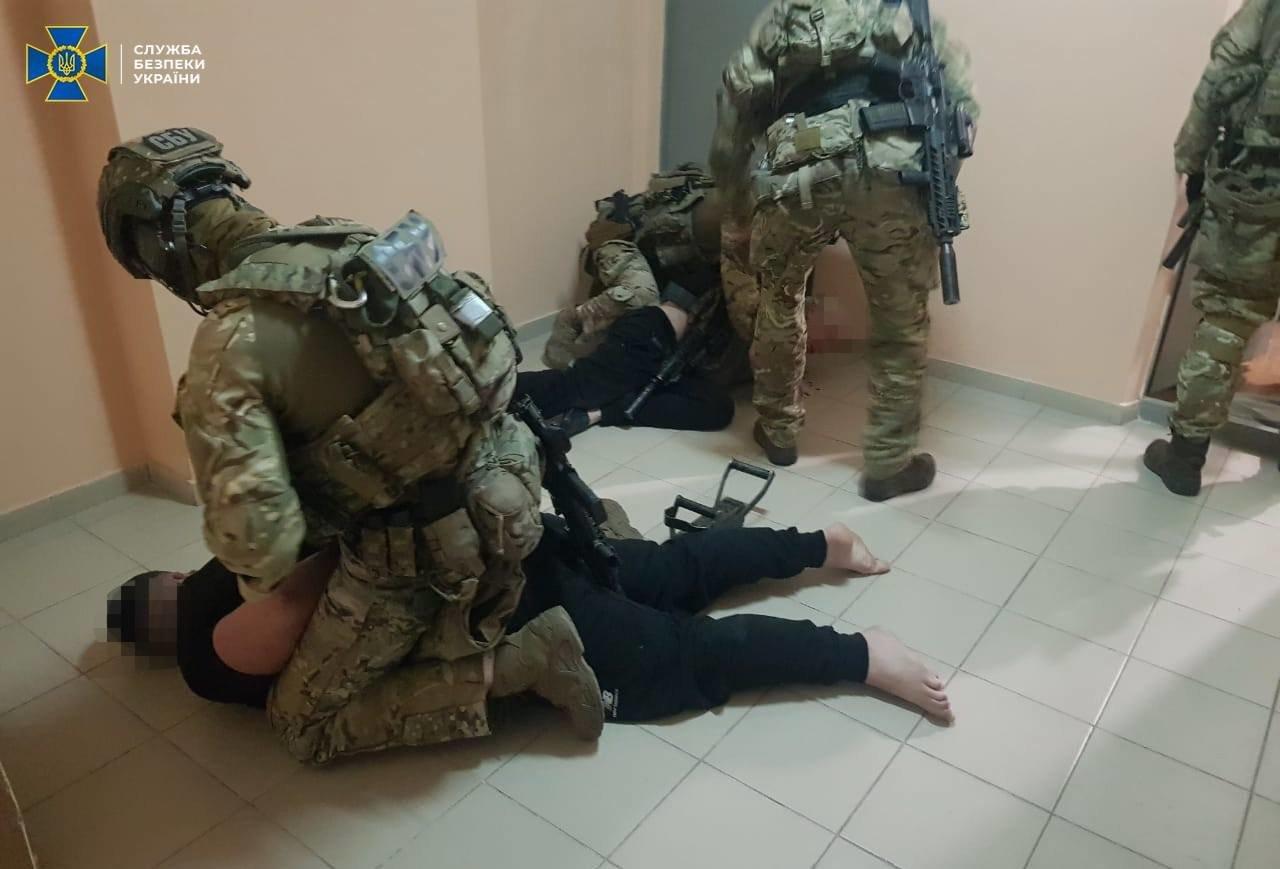 СБУ разоблачила банду правоохранителей, которая готовила провокации во время проведения выборов в Донецкой области, - ФОТО, фото-1