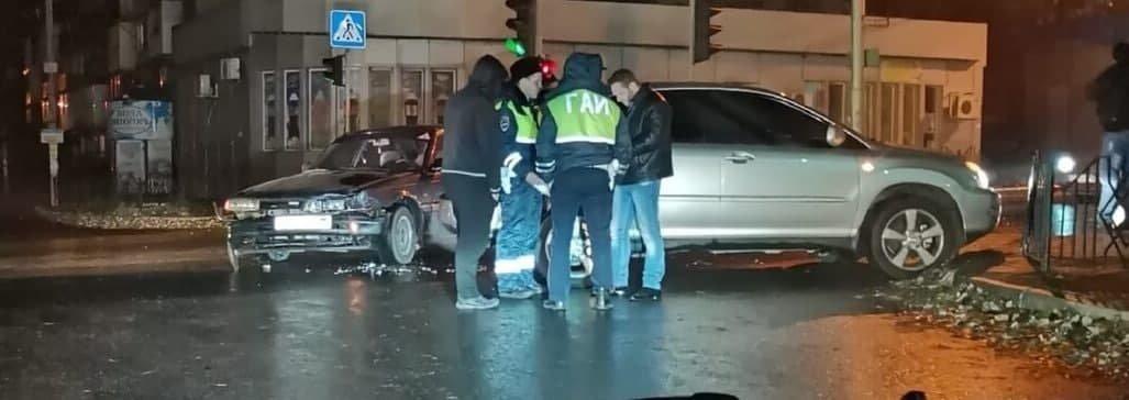 В Донецке «Лексус» столкнулся с легковым автомобилем, - ФОТО, фото-1