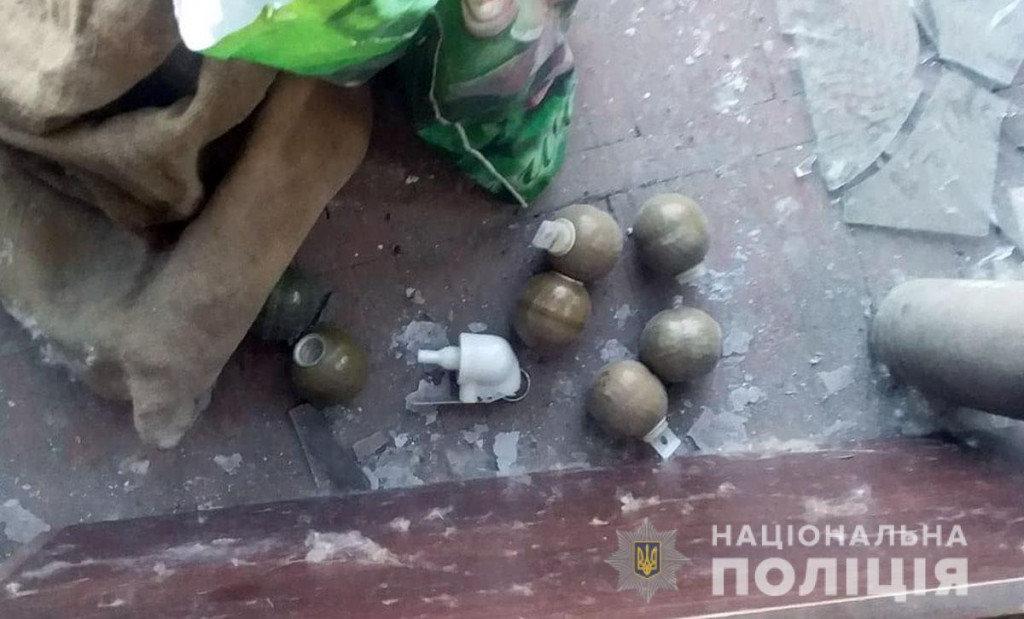 В Авдеевке в кинотеатре нашли мины и боеприпасы, - ФОТО, фото-3