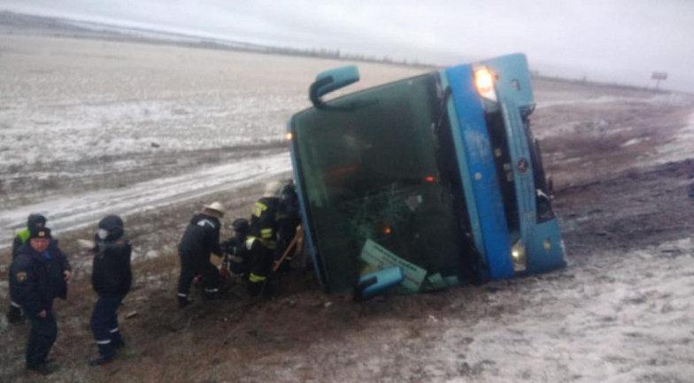 В России перевернулся автобус «Москва-Донецк»: погибли два человека, - ФОТО, ВИДЕО, фото-1