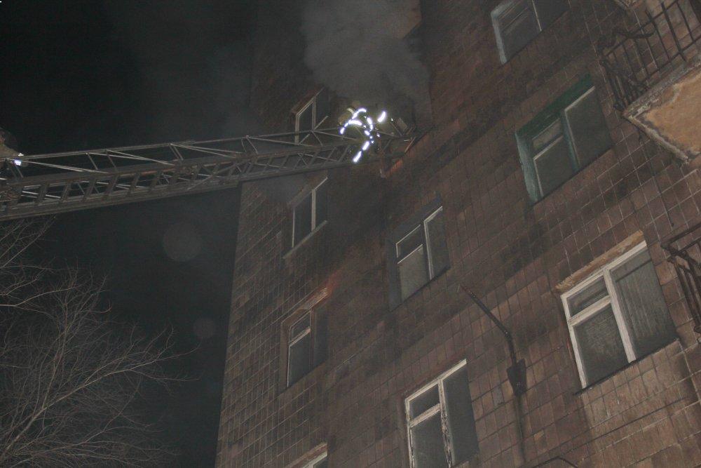 В Донецке горело общежитие электрометаллургического техникума: эвакуировали пять человек? - ФОТО, фото-1