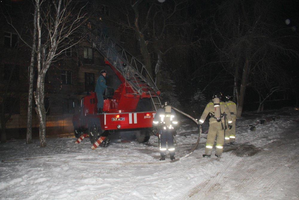 В Донецке горело общежитие электрометаллургического техникума: эвакуировали пять человек? - ФОТО, фото-2
