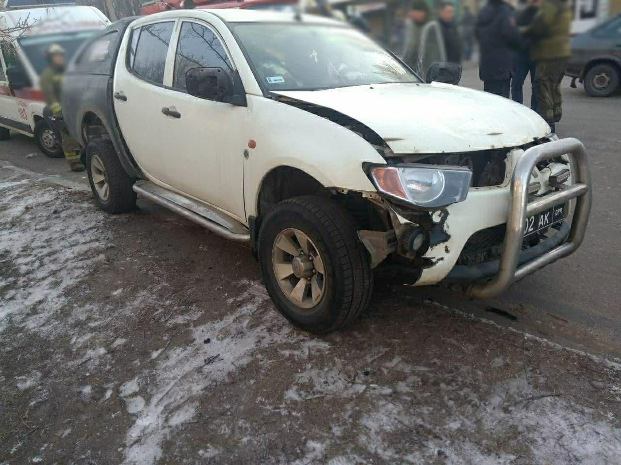 В оккупированной Горловке взорвали машину одного из главарей «ДНР», - ФОТО, фото-1