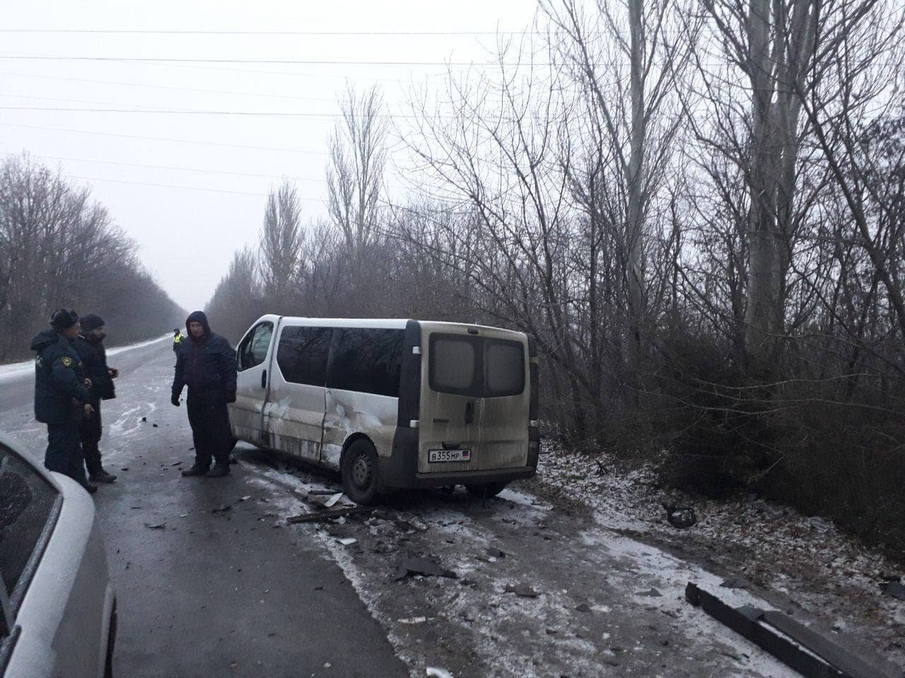 В Макеевке произошло лобовое столкновение микроавтобуса и «Опеля»: пострадали шесть человек, - ФОТО, фото-1