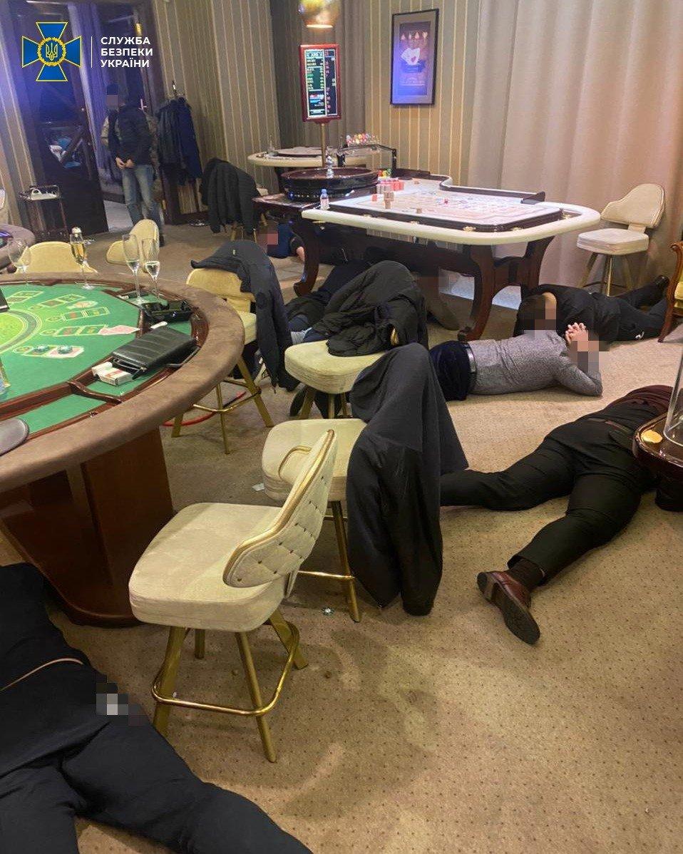 СБУ заблокировала работу сети подпольных казино, связанных с«ЛНР» и«ДНР», - ФОТО , фото-3