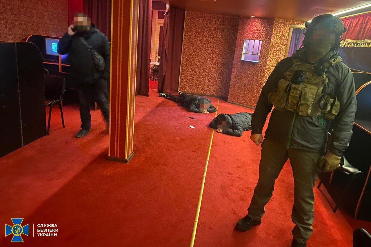 СБУ заблокировала работу сети подпольных казино, связанных с«ЛНР» и«ДНР», - ФОТО , фото-2