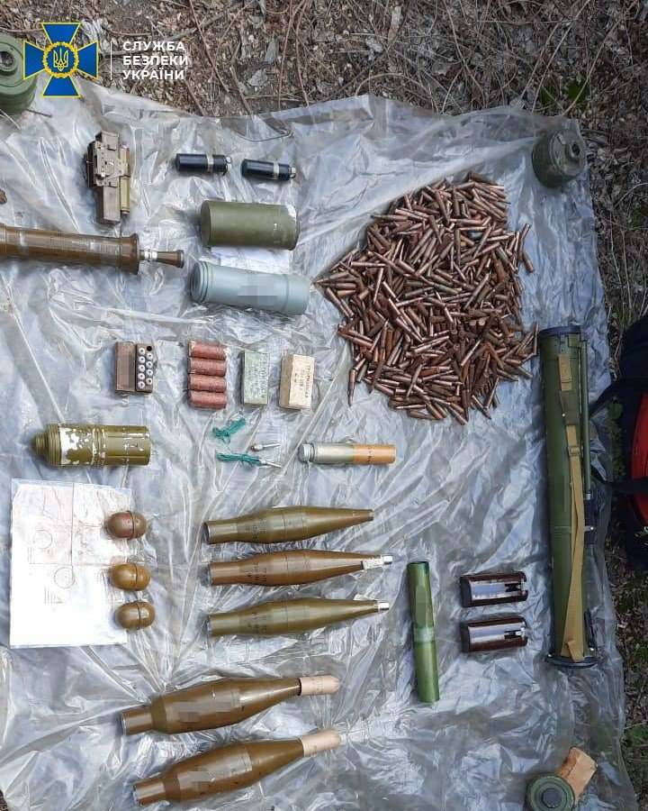В Донецкой области нашли тайник боевиков с минами и тротилом, - ФОТО, фото-5