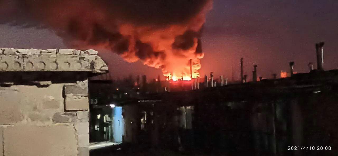 В Донецке горит мясокомбинат: слышны взрывы, - ФОТО, ВИДЕО, фото-1