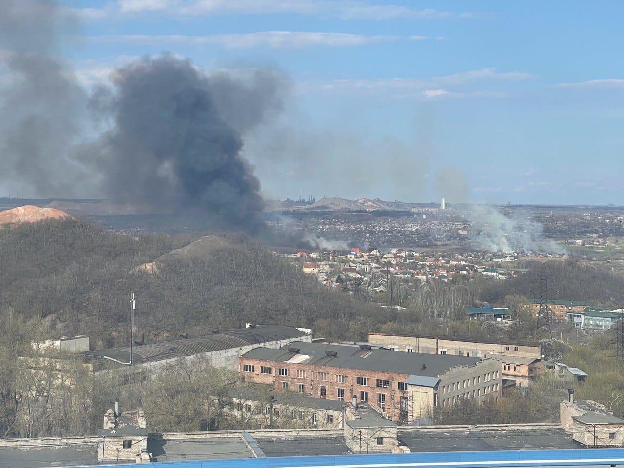 Большой пожар в Донецке: клубы дыма было видно из центра города, - ФОТО, фото-2