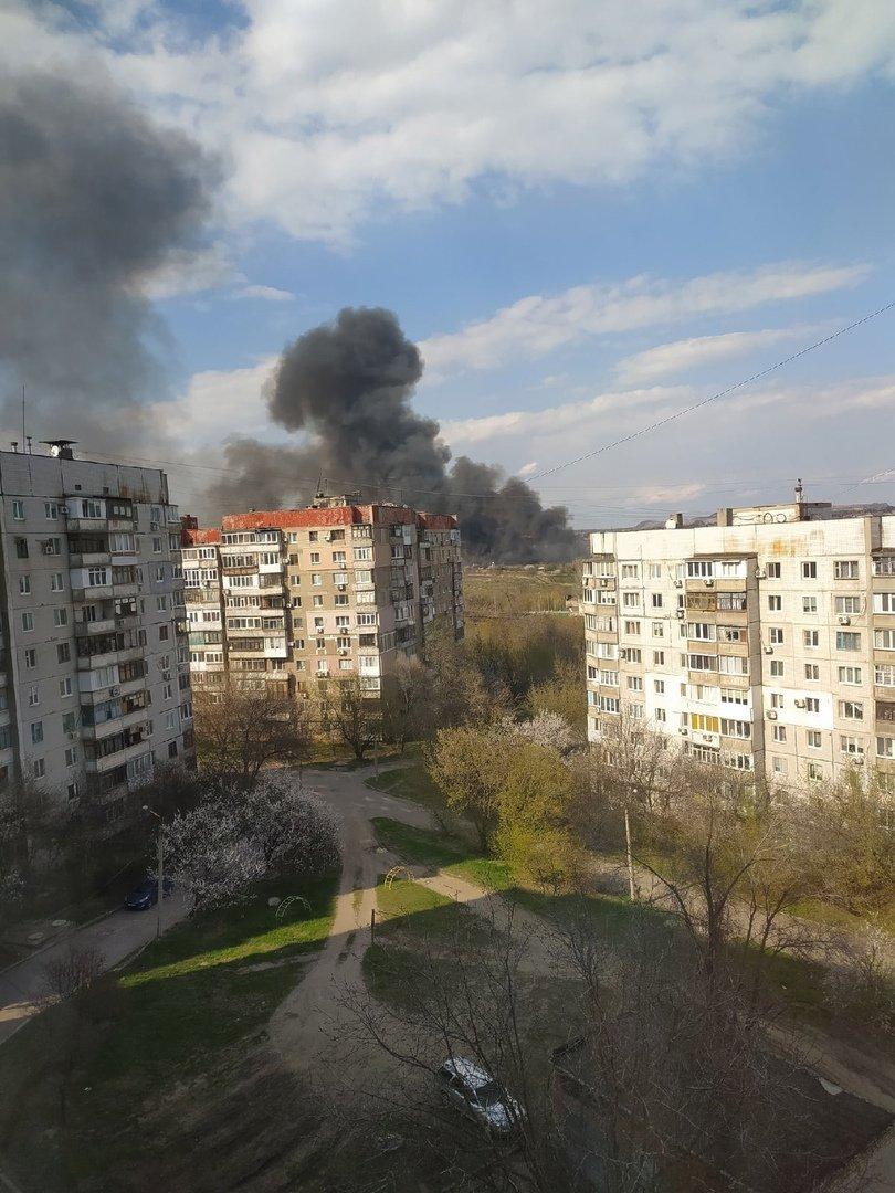 Большой пожар в Донецке: клубы дыма было видно из центра города, - ФОТО, фото-4