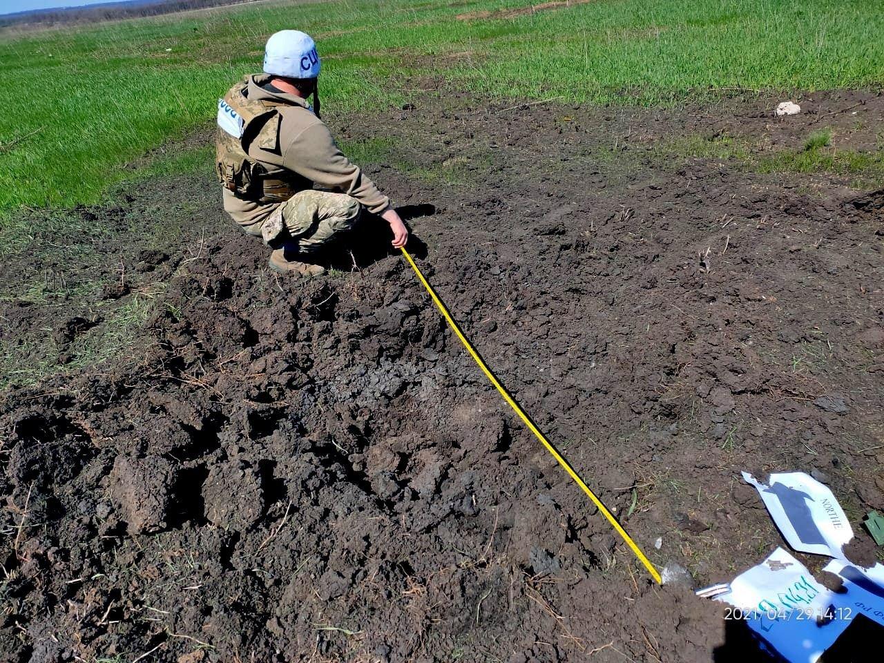 Оккупанты обстреляли населенный пункт у линии разграничения из 120-мм минометов, - ФОТО, фото-1