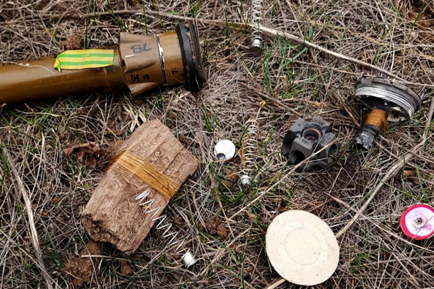 Миссия ОБСЕ за два дня выявила более двух тысяч мин на востоке Украины, - ФОТО, фото-1
